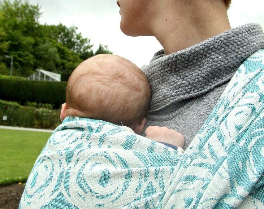 Écharpe de portage pour nouveau-né